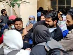 JNU का एक और वीडियो सामने आया, सर्वर रूम के पास झगड़ते दिख रहे दो गुट