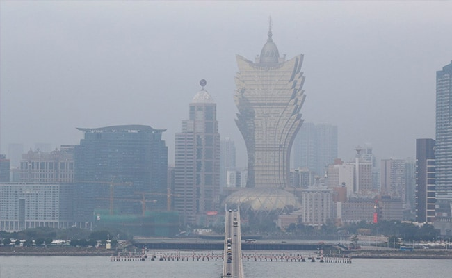 Macau, World's Biggest Gambling Hub, Turns Into Ghost Town After Virus Scare