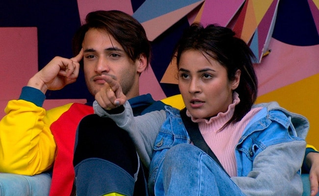 Bigg Boss 13 Written Update January 23, 2020: Captaincy Task Brings Out The Worst In Shehnaz Gill And Others