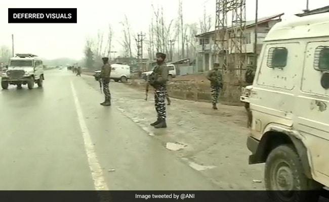 कश्मीर में सेना ने 24 घंटे में चार, और इस महीने में 22 आतंकी मार गिराए