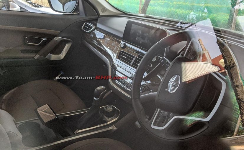 The updated 2020 Tata Harrier BS6 AT SUV is expected to be launched at the 2020 Auto Expo