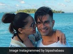 बिपाशा बसु की Beach Photos हुईं वायरल, पति करण सिंह ग्रोवर के साथ इस अंदाज में आईं नजर