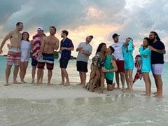प्रियंका चोपड़ा समुद्र किनारे निक जोनास और दोस्तों संग एंजॉय करती आईं नजर, Photos हुईं वायरल