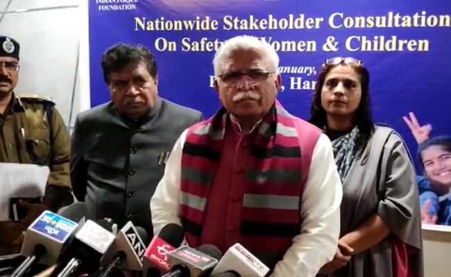 Manohar Lal Khattar Supports Khaps, Says 'Should Not Marry Within Same Gotra'
