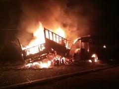 कन्नौज में बस और ट्रक की टक्कर के बाद लगी आग, 20 यात्रियों के मारे जाने की आशंका