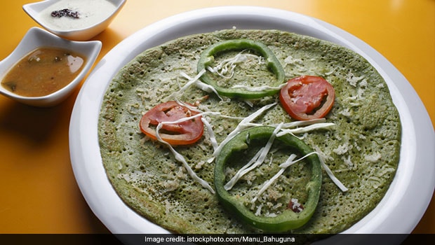 Take Your Love For Dosa To Another Level By Making This Healthy Palak Dosa