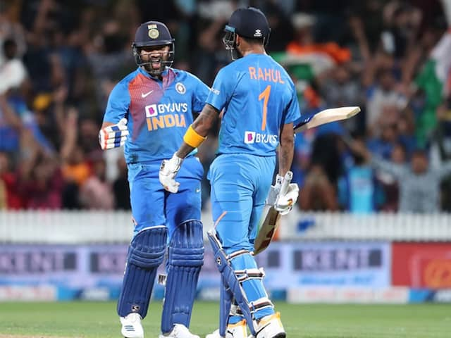 New Zealand vs India, 3rd T20I: Rohit Sharmas Super Over Heroics Invite Praise From Cricket Fraternity