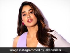 Like Janhvi Kapoor, Get Yourself A Chic Colourblocked Dress