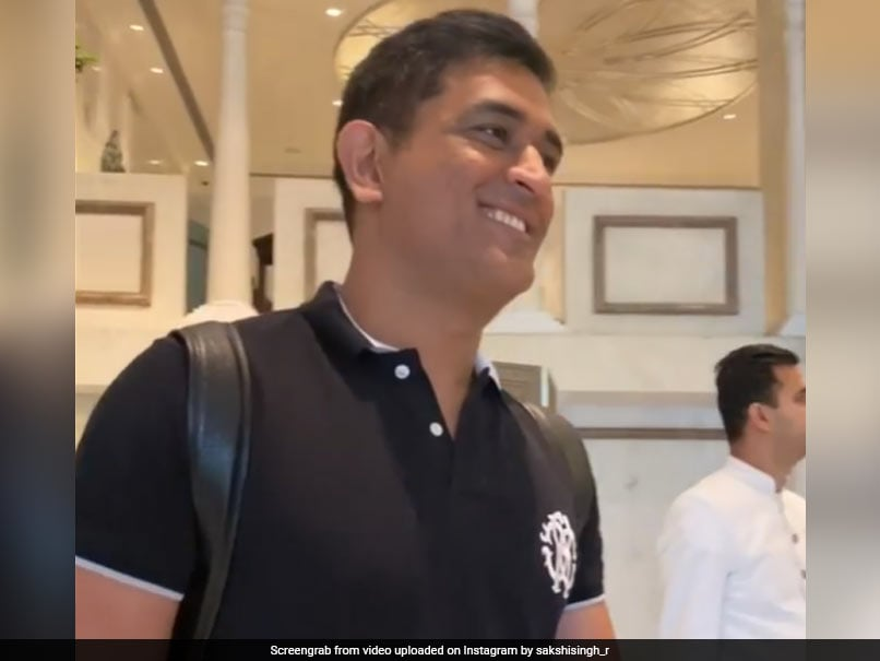"""Are You Blushing?"" Sakshi Teases ""Cutie"" MS Dhoni In Adorable Video. Watch"