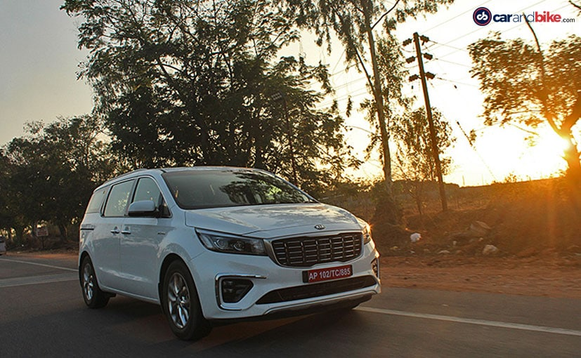 The Kia Carnvial is on sale with total benefits of up to Rs. 2.5 lakh