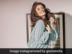 करीना कपूर खान की Photo का उड़ा मज़ाक, तस्वीर में घुटने गायब...परछाई ने खोली पोल