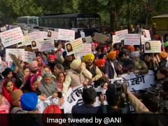 Protest Outside Pakistan High Commission In Delhi Over Attack On Nankana Sahib Gurdwara