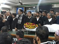 Lucknow Lawyer Murdered, Protesting Colleagues Take Body To District Magistrate's Office