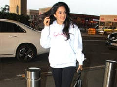 This January, Stay Cosy In Trendy Sweatshirts Like Kiara Advani