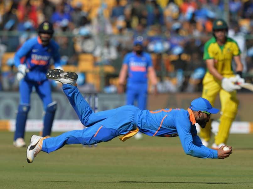 IND vs AUS 3rd ODI: Virat Kohli Takes Stunning Diving Catch To Remove Marnus Labuschagne. Watch