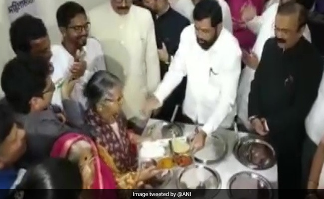 Maharashtra Launches Rs 10 Lunch Plate Scheme On Republic Day