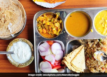 Easy Indian Vegetarian Diet For Weight Loss: Too Scared To Start Dieting? Try This Meal Plan