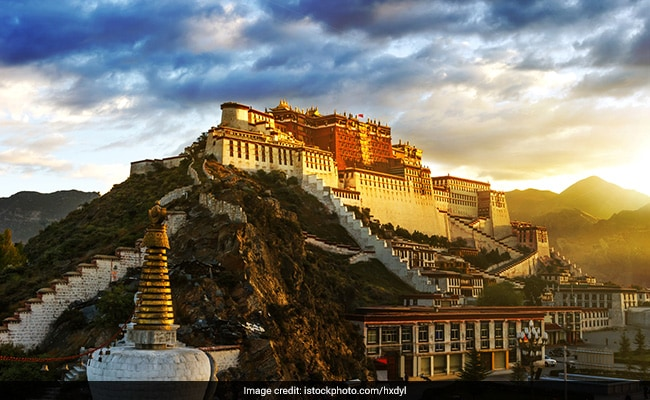 Dalai Lama's Patola Palace Shut Over Coronavirus, Tibetans Question China
