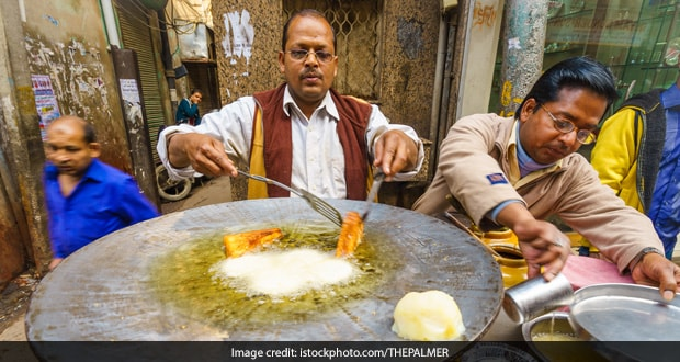 Try These 6 Delicious Bengali Street Food Items In Delhi's CR Park