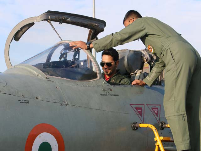 Video : <i>Jai Jawan</i>: Varun Dhawan's Experience In A Fighter Jet Cockpit