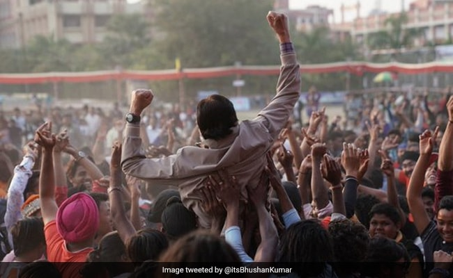 Jhund Teaser: Amitabh Bachchan Is All Set To Lead The Crowd, Sorry, 'Team'