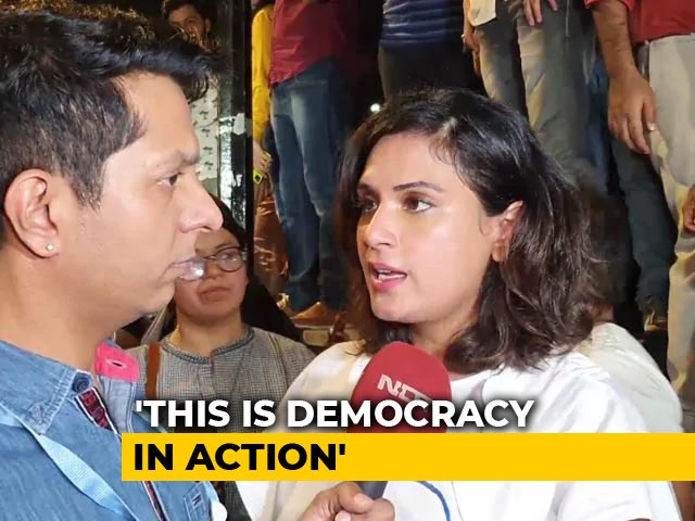 Richa Chadha Joins Protest Supporting JNU Students
