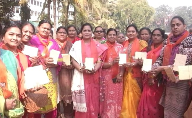 42,000 Postcards Sent To PM Modi In Support Of Citizenship Law From Vadodara