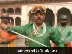 Pakistani News Anchor's Royal Getup, With Sword And Turban, Amuses Twitter