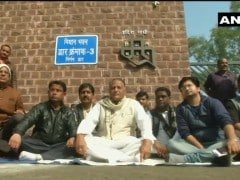 Madhya Pradesh Congress MLA Sits On <i>Dharna</i> Against Own Goverment