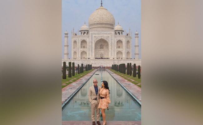 Amazon Founder Jeff Bezos Visits Taj Mahal With Girlfriend Lauren Sanchez