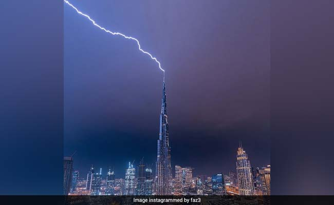 Lightning Strikes The World's Tallest Building In Incredible Video