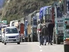 More Landslides On Jammu-Srinagar Highway, Over 7,000 Vehicles Stranded