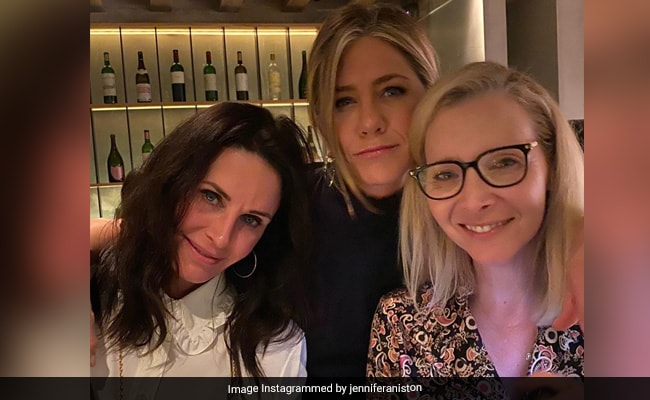 F.R.I.E.N.D.S Forever: The One With Jennifer Aniston, Courteney Cox And Lisa Kudrow On Instagram