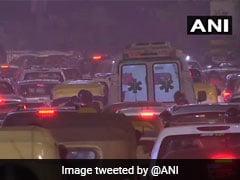 साल के पहले दिन दिल्ली में भीषण ट्रैफिक जाम, इंडिया गेट सहित इन इलाकों में जुटी भारी भीड़