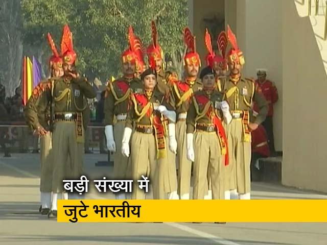 Videos : अटॉरी-वाघा बॉर्डर पर मनाया गया गणतंत्र दिवस का जश्न