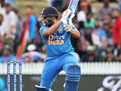 New Zealand vs India 3rd T20I Live Score: Colin De Grandhomme Removes KL Rahul After Rohit Sharma