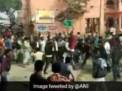 बिहार में बीच सड़क पर भिड़ गए CAA-NRC के समर्थक और विरोधी गुट, जमकर चले लाठी-डंडे, 15 घायल