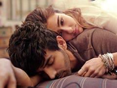 Love Aaj Kal First Look: घनघोर इश्क में डूबे नजर आए सारा अली खान और कार्तिक आर्यन, देखें फिल्म का धमाकेदार पोस्टर