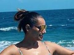 बिपाशा बसु बर्थडे पर समुद्र किनारे यूं चिल करती आईं नजर, वायरल हुईं Photo