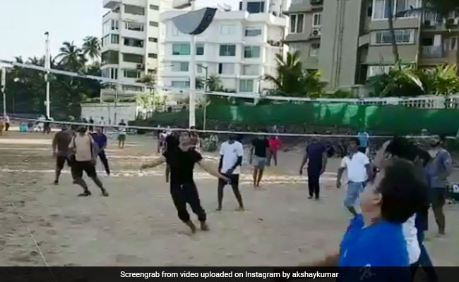 This Volleyball Game On A Mumbai Beach Had A Celeb Player - Akshay Kumar - NDTV News