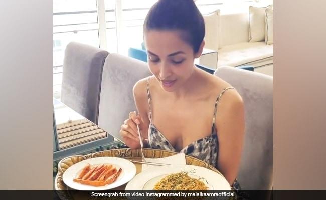 Malaika Arora's Fitness Secret Revealed | Twinkle Khanna, Akshay Kumar, Malaika Arora's 'What's In Your Dabba' Posts