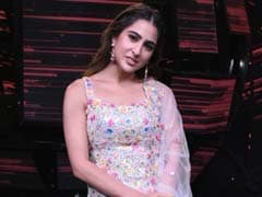 Sara Ali Khan Is All About Floral Love In A Pretty <i>Sharara</i> Suit
