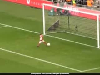Robbie Keanes 4-Year-Old Son Runs Away With Ball, Scores Goal Ahead Of FA Cup Match. Watch Video