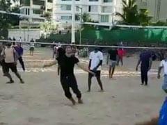 This Volleyball Game On A Mumbai Beach Had A Celeb Player - Akshay Kumar