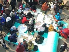 शाहीन बाग के आंदोलनकारियों का समर्थन करने के लिए पंजाब से आए सैकड़ों लोग