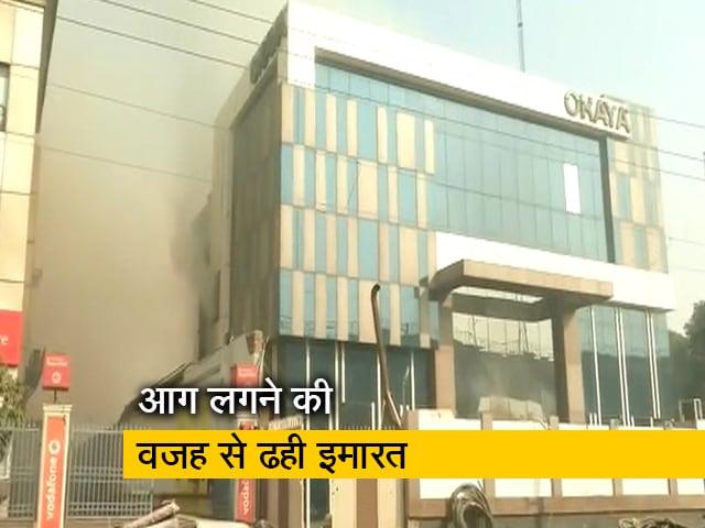 Videos : बैटरी फैक्टरी में लगी आग में एक दमकल कर्मी की मौत