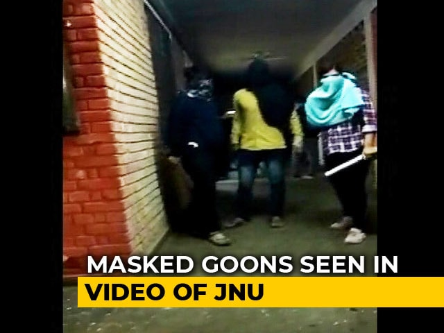 Video : Masked Mob Terrorises JNU Campus, 24 Students And Teachers Injured