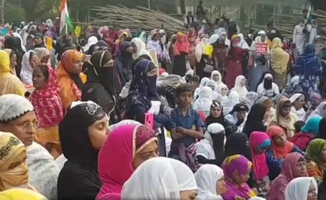 Kolkata's Shaheen Bagh-Like Protest Enters 23rd Day, Gets Support From Artistes, Politicians