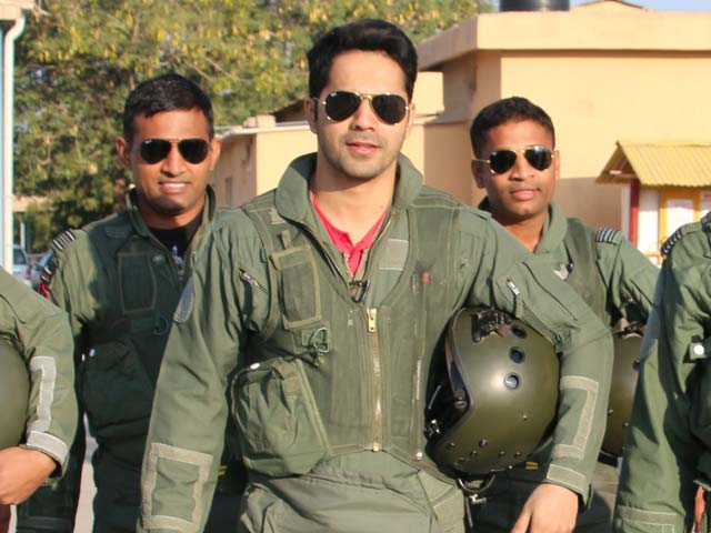 Video : <i>Jai Jawan</i>: Varun Dhawan's Reaction On Getting An IAF Uniform With His Name