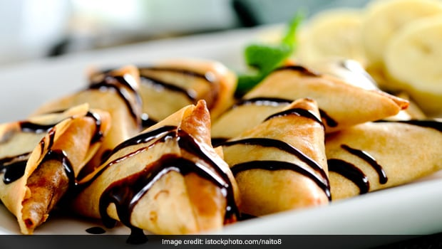 Move Over Aloo Samosa; Make Chocolate Samosa At Home With This Yummy Recipe!